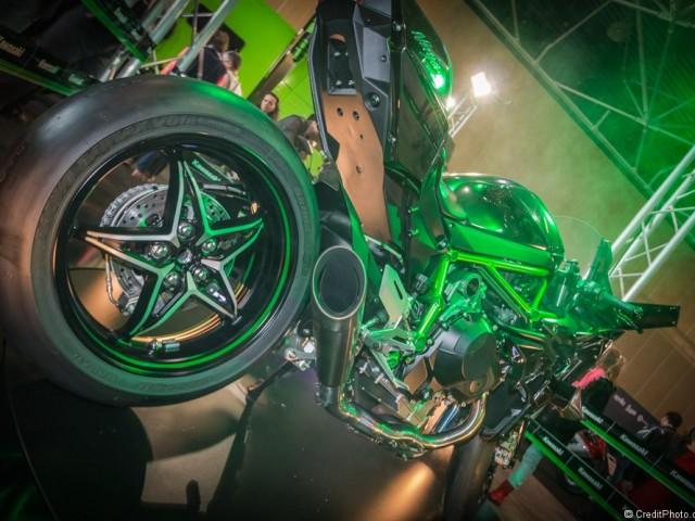 Kawasaki Ninja H2R – Salon 2 Roues 2015