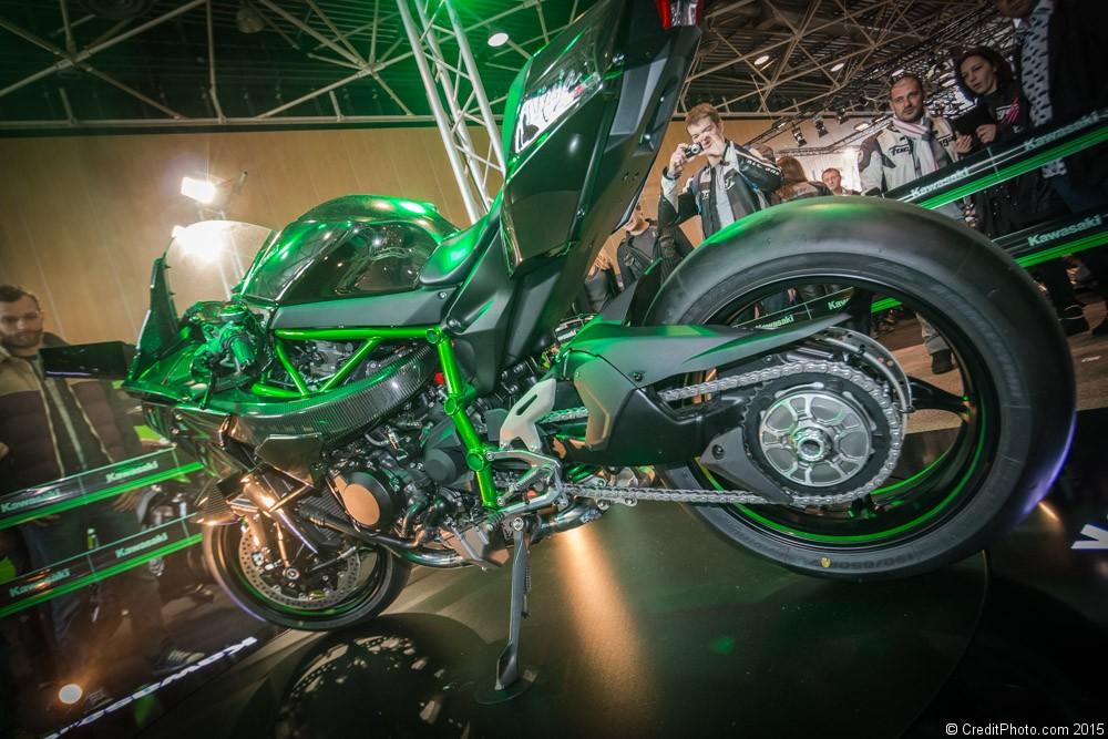 photo de moto zoom sur kawasaki ninja h2r